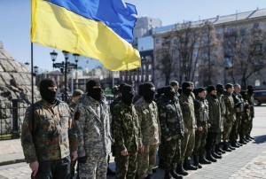17est2f01-ucraina-ultra-nazionalisti-kiev-reuters