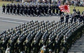 Il Giappone ripudia la guerra ma aumenta gli armamenti