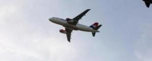 Minaccia alla Russia: jet francese sfiora membri della Duma