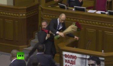 Ucraina corrotta: rissa in Parlamento
